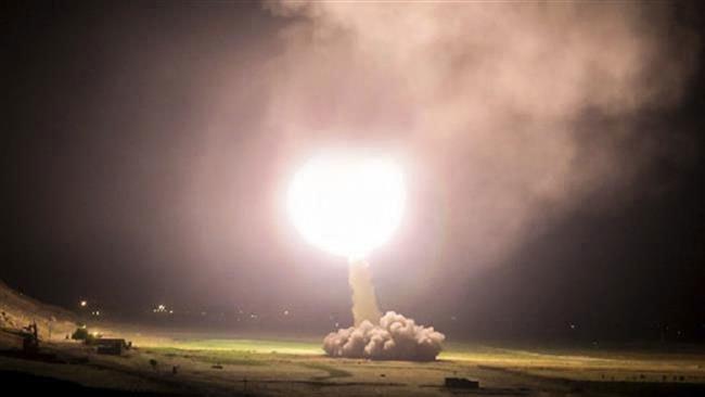 """Iran khoe sở hữu """"bom bố của các loại bom"""""""