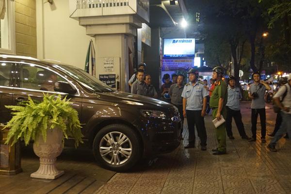 Phạt 2 triệu lỗi tè bậy, lái xe ôm mếu máo xin ông Đoàn Ngọc Hải bỏ qua