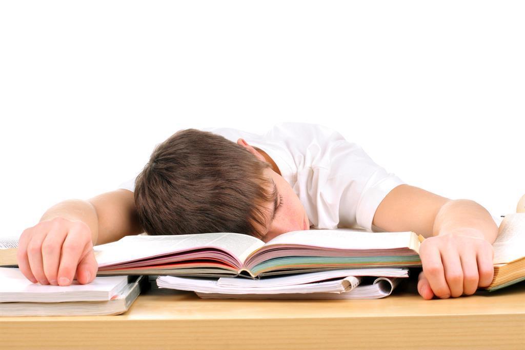 Học sinh tự tử, áp lực điểm số, giáo dục chạy theo thành tích, bố mẹ chạy theo thành tích