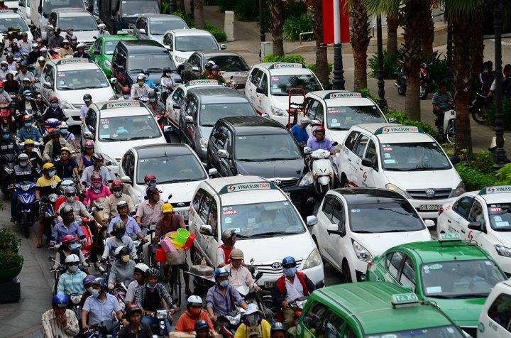 Năm 2020, sẽ thu phí ô tô vào trung tâm TP.HCM