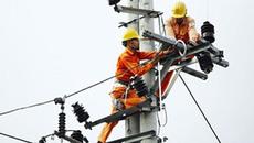 Điện lực Hà Tĩnh khẩn trương khắc phục hậu quả bão