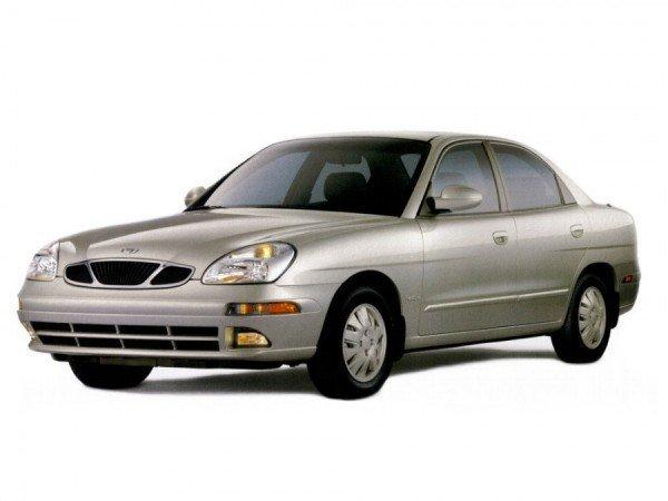 Những mẫu xe ô tô 'giá bèo' trên dưới 100 triệu đáng mua nhất hiện nay