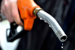 Mẹo tiết kiệm xăng khi đi xe máy