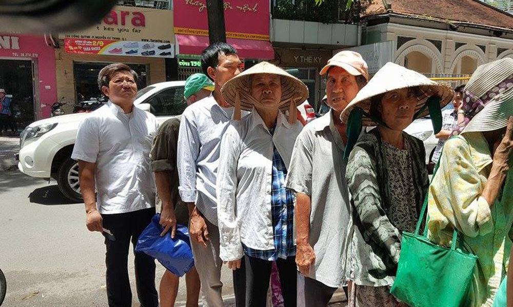 Trương Tấn Sang,Chủ tịch nước,quận 1,TP.HCM,quán cơm Nụ Cười,cơm 2000 đồng
