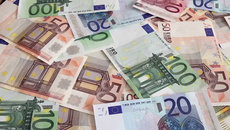 Tỷ giá ngoại tệ ngày 19/9: USD nhấp nhổm tăng giá