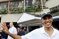 Obama kiếm hơn triệu đô từ phố Wall
