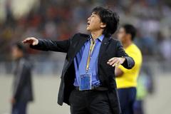"""HLV Nguyễn Thành Vinh: """"VFF phải biết kiếm tiền, vời thầy ngoại cho tuyển"""""""