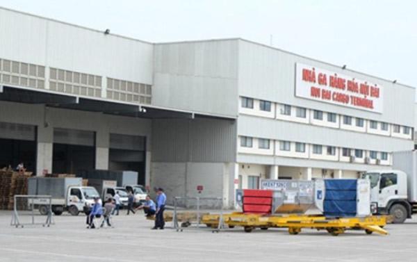 sân bay Nội Bài, xe đầu kéo, nữ nhân viên, Cảng vụ hàng không miền Bắc