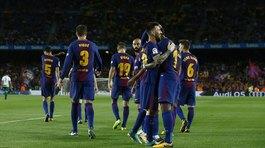 Messi lập poker, Barca thắng kiểu tennis