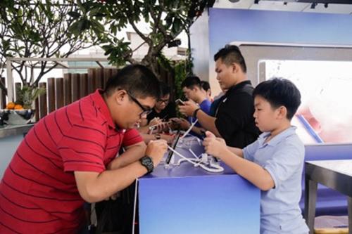 Galaxy Note8 'tăng nhiệt' với chuỗi hoạt động Tech Offline