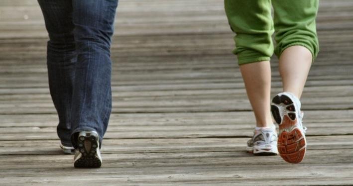 đi bộ, lợi ích của đi bộ, ung thư vú, giảm đau khớp, giảm cân
