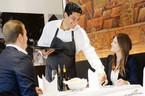 Cách tip ở nhà hàng, khách sạn cho người sành điệu