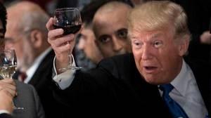 Bí ẩn ly rượu vang ông Trump nhấp môi ở Liên Hợp Quốc