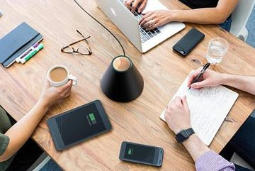 """""""Bình"""" sạc không dây có thể sạc smartphone cách xa 30cm"""