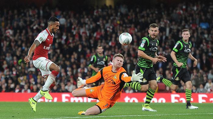 Arsenal chật vật hạ đội bóng vô danh