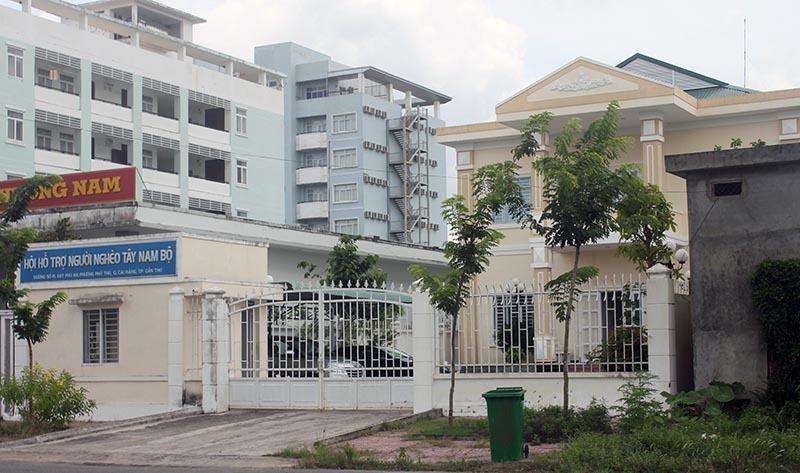 Vì sao Hội Bảo trợ bệnh nhân nghèo Tây Nam Bộ 'chủ động' xin trả đất?