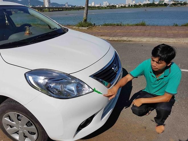 Nghi vấn mua xe mới bị bán taxi cũ: Đại lý muốn bồi thường, khách hàng từ chối