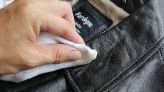 Mẹo khử mùi để đồ da luôn như mới
