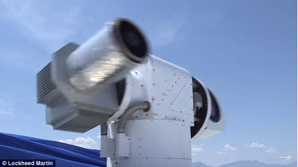 Xem súng laser Mỹ bắn cháy 5 máy bay không người lái