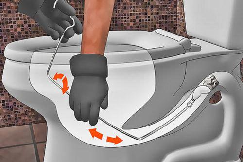 Mẹo thông tắc bồn cầu bằng nước rửa bát