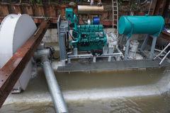 """Tận mắt xem máy bơm khổng lồ đẩy nước ở """"rốn ngập"""" nhất Sài Gòn"""