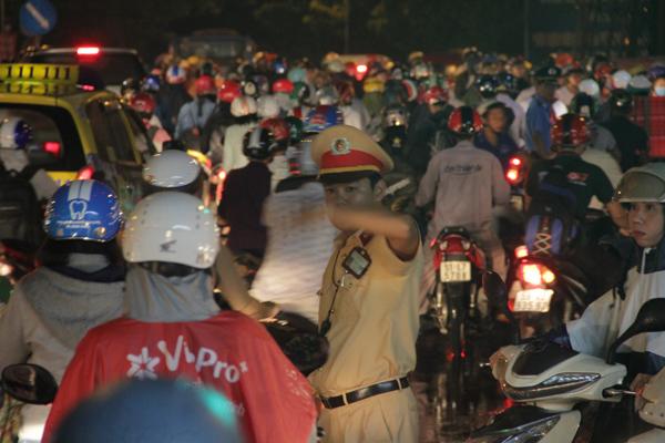 kẹt xe, ùn tắc giao thông, Xa lộ Hà Nội, ngã tư Hàng Xanh, ngã tư Thủ Đức.