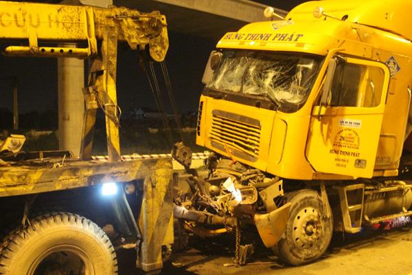 tai nạn, tai nạn giao thông, container, Xa lộ Hà Nội,