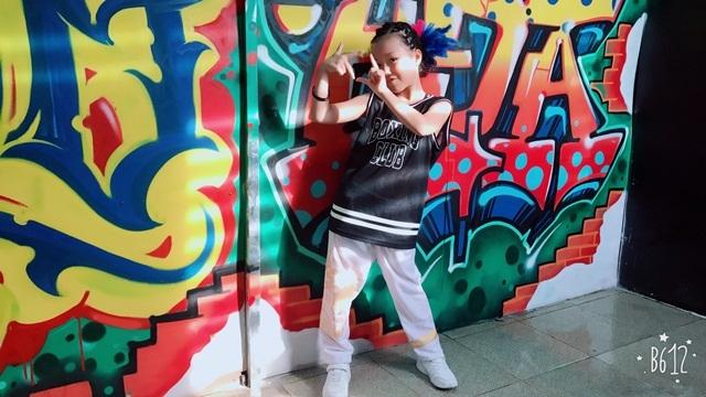 Thành tích đáng nể của vũ công nhí mang 2 dòng máu Việt - Trung