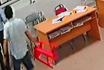 Nữ bác sĩ bị đánh: Xử lý chủ tịch phường cầm ghế