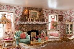 Nhà đẹp lãng đãng trong sắc thu sang nhờ khéo chọn lựa giấy dán tường