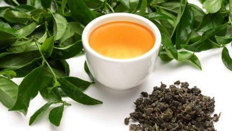 Giảm mỡ cánh tay nhờ nước uống từ trà xanh