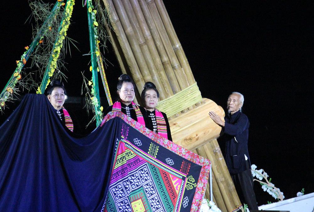 xòe Thái, di sản, kỷ lục Việt Nam, Nghĩa Lộ
