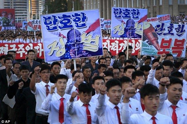 Triều Tiên rầm rộ mít-tinh chống Mỹ