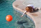 Vớt quả bóng dưới hồ, 2 anh em đuối nước thương tâm