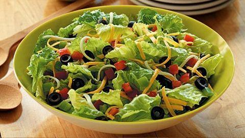 Bất ngờ với công thức giảm cân từ rau xà lách