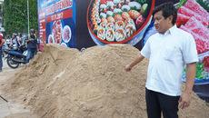 Chiếm vỉa hè 10 năm, chủ vựa đá bị ông Đoàn Ngọc Hải quyết 'trảm'
