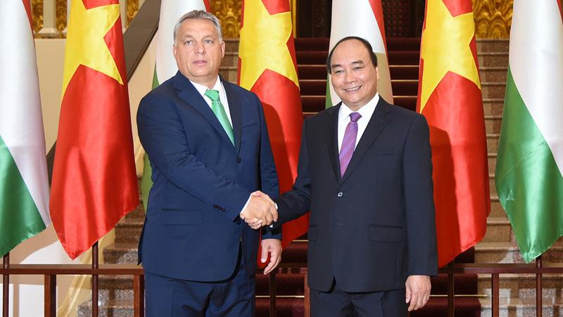 Thủ tướng Nguyễn Xuân Phúc hội đàm với Thủ tướng Hungary