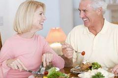 Những điều cần biết về suy dinh dưỡng ở người lớn