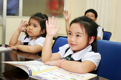 Trường công, trường tư và rủi ro của con trẻ