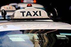Nhân viên lãnh sự quán Mỹ trình báo bị khống chế, cướp trên taxi