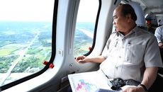 Thủ tướng thị sát ĐBSCL bằng trực thăng