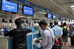 Đồng loạt mở bán vé máy bay Tết: Đặt sớm tránh mua giá đắt