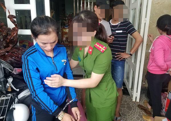 Nữ quái lắp camera quanh nhà để bán ma túy