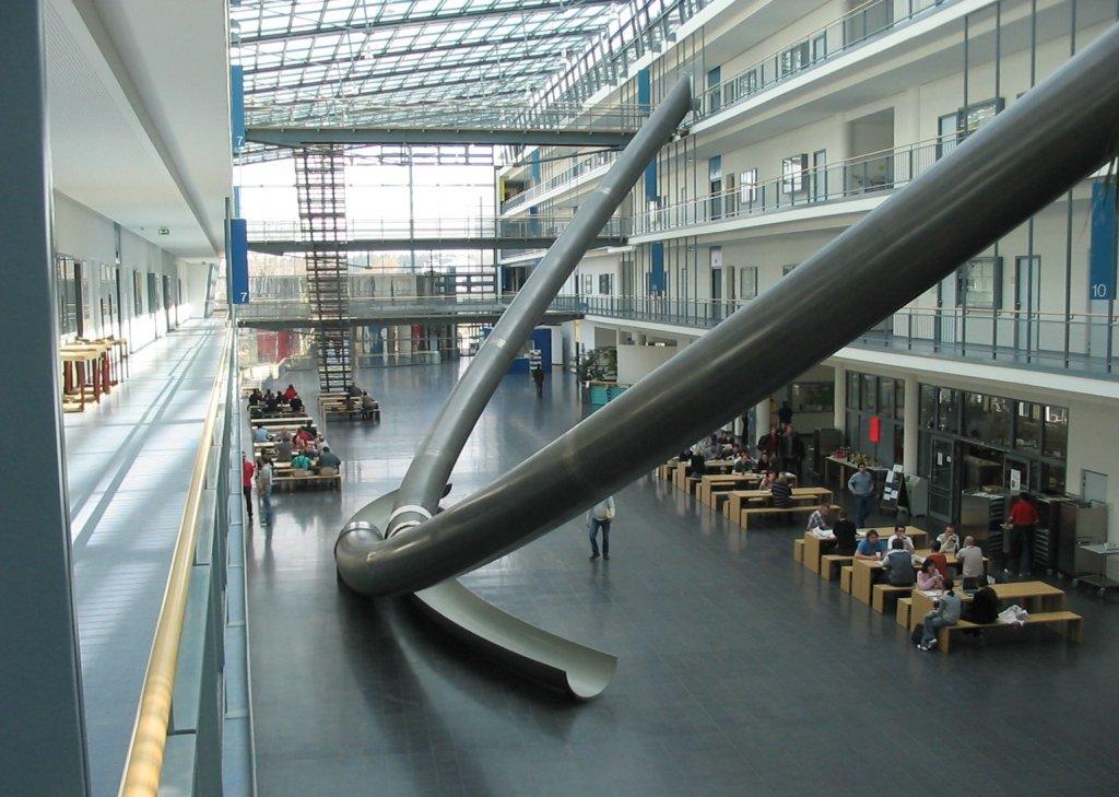 đại học Đức, ĐH Công nghệ  Munich, cầu trượt khổng lồ
