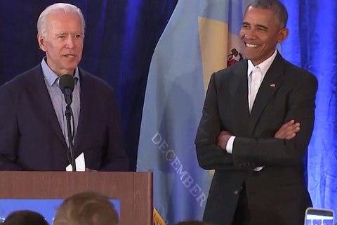 Obama khóc trước mặt mật vụ sau khi tiễn con gái