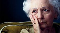 Cách phòng ngừa bệnh suy dinh dưỡng ở người lớn tuổi
