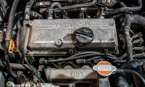 Nhiều tài xế Việt thường bỏ qua lỗi ô tô bị chảy dầu