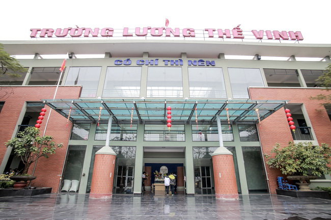 Trường Lương Thế Vinh cấm HS bấm 'like' khi chưa đọc kỹ Facebook