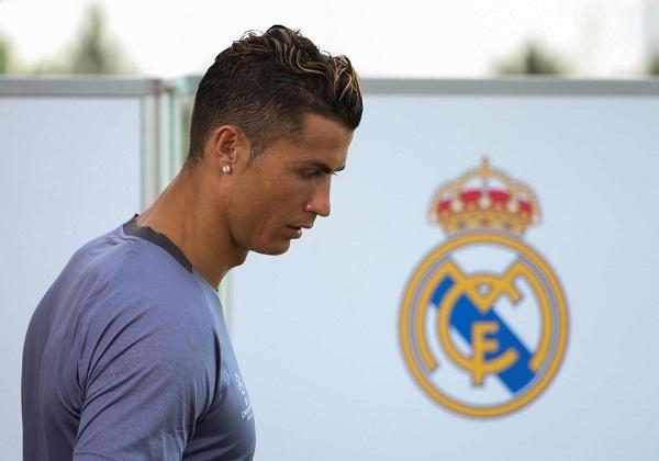 Ronaldo ra yêu sách, dọa sẽ rời Real Madrid