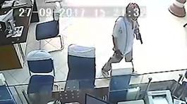 Vụ dùng súng cướp ngân hàng: Nghi phạm tự sát, để lại thư tuyệt mệnh